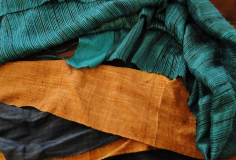 silk scarves from Laos © Marc d'Entremont