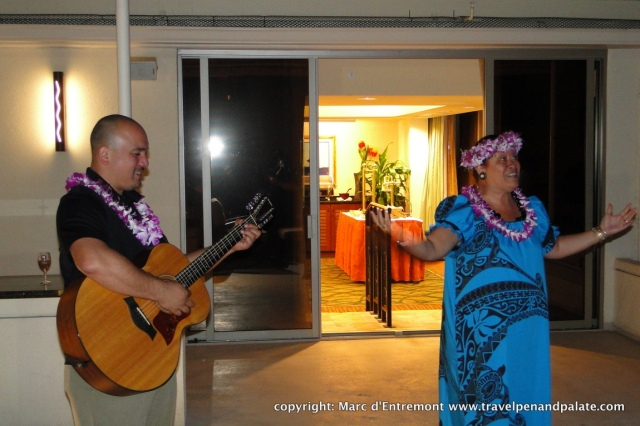 cultural evening & dinner at the Outrigger Hotel on the Beach