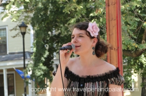 Singer at Fete Paradiso