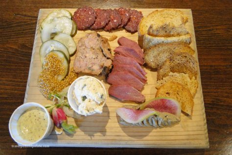 Charcuterie board : house made & locally sourced