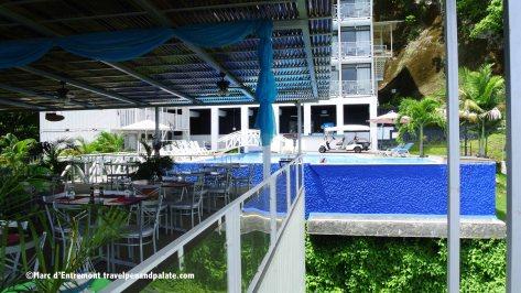 El Faro restaurant & pool