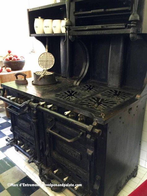 original Volcun gas stove in Ca' d'Zan kitchen